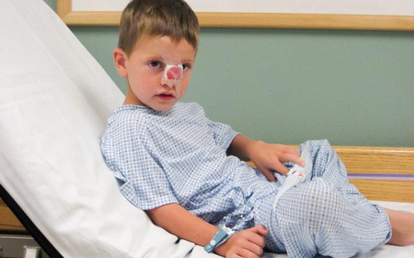ребенок перелом носа
