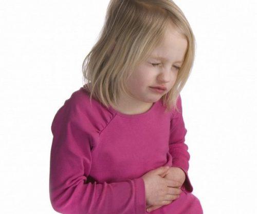 У ребенка болит живот и рвота: причины и симптомы