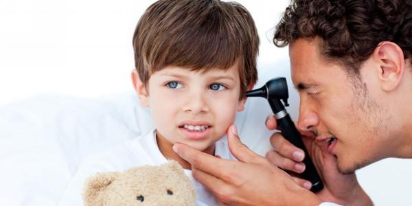 экссудативный отит у ребенка