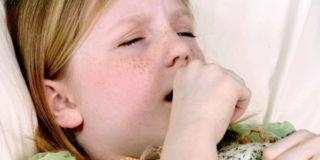 Как побороть удушающий кашель у ребенка