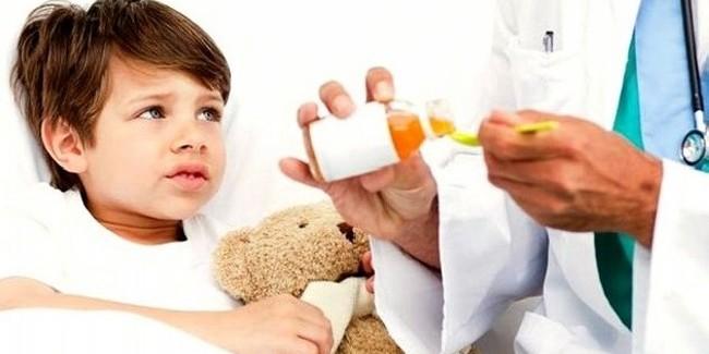Чем лечить сухой кашель у ребенка: антибиотики, виды, причины, симптомы