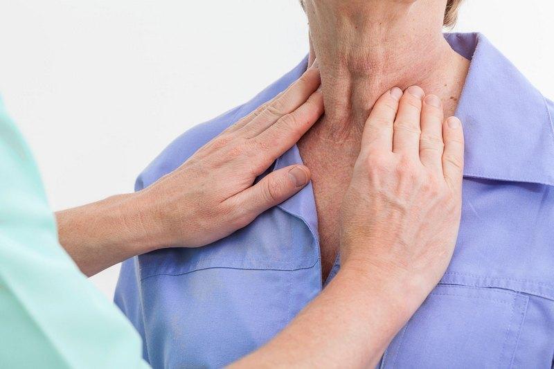 удаление срединной кисты шеи