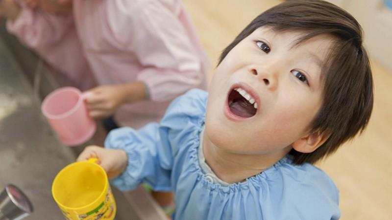 Полоскание горла хлорофиллиптом