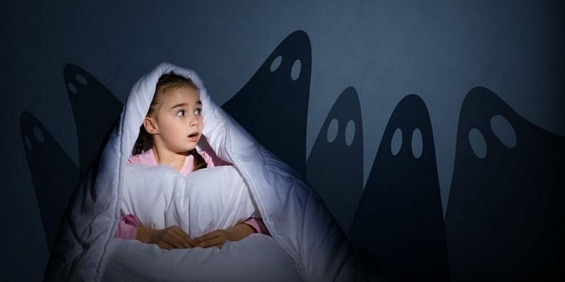 Ребенку снятся кошмары, что делать. Причины. Как помочь